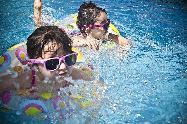 Chraňte svou bazénovou nádrž před znečištěním