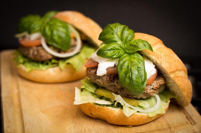 dva hamburgery